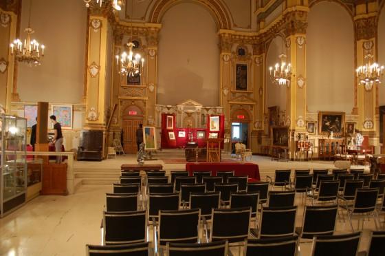 The scene before the auction at Iegor De Saint Hippolyte's place.
